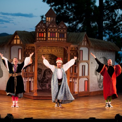 The Complete Works of William Shakespeare (Abridged) (2010) Gallery Image 2
